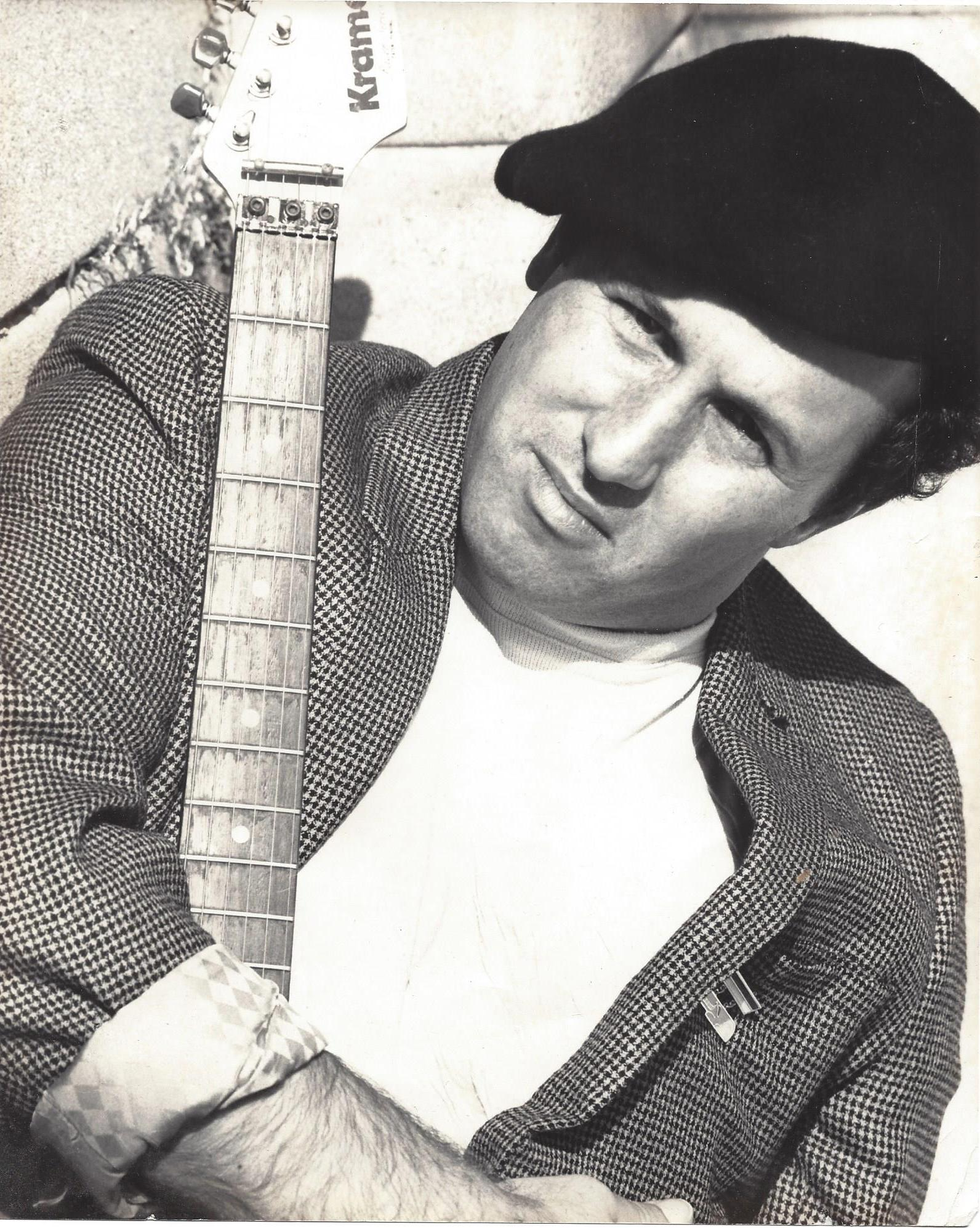 eddy-and-guitar